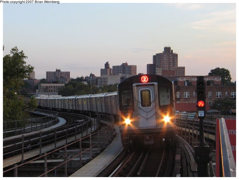 (89k, 820x620)<br><b>Country:</b> United States<br><b>City:</b> New York<br><b>System:</b> New York City Transit<br><b>Line:</b> IRT White Plains Road Line<br><b>Location:</b> Gun Hill Road <br><b>Photo by:</b> Brian Weinberg<br><b>Date:</b> 9/7/2004<br><b>Notes:</b> Gun Hill Rd. station during reconstruction.<br><b>Viewed (this week/total):</b> 1 / 1833