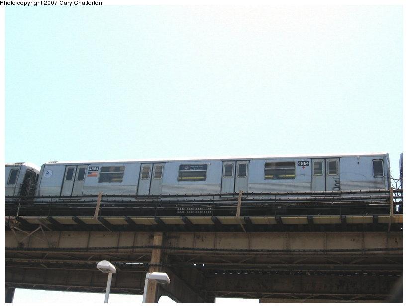 (65k, 820x620)<br><b>Country:</b> United States<br><b>City:</b> New York<br><b>System:</b> New York City Transit<br><b>Line:</b> BMT Nassau Street/Jamaica Line<br><b>Location:</b> Alabama Avenue <br><b>Route:</b> J<br><b>Car:</b> R-42 (St. Louis, 1969-1970)  4884 <br><b>Photo by:</b> Gary Chatterton<br><b>Date:</b> 5/30/2007<br><b>Viewed (this week/total):</b> 1 / 1769