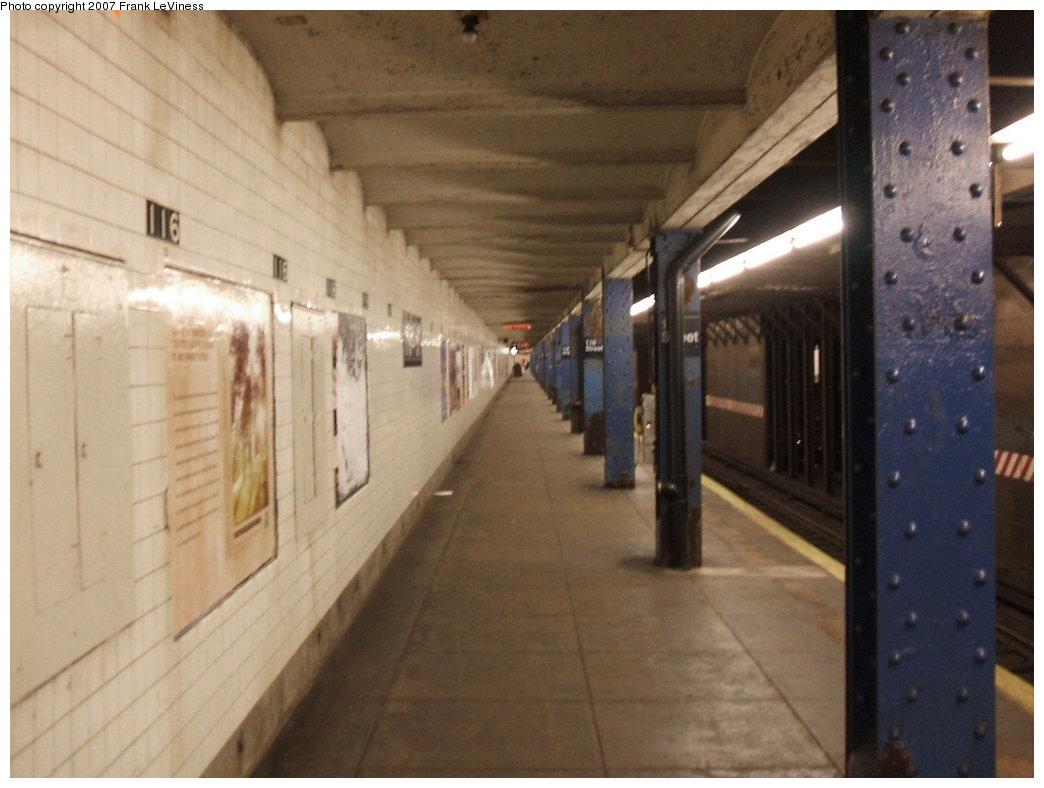 (127k, 1044x788)<br><b>Country:</b> United States<br><b>City:</b> New York<br><b>System:</b> New York City Transit<br><b>Line:</b> IND 8th Avenue Line<br><b>Location:</b> 116th Street <br><b>Photo by:</b> Frank LeViness<br><b>Date:</b> 3/30/2007<br><b>Notes:</b> Platform view.<br><b>Viewed (this week/total):</b> 6 / 3577