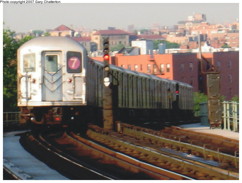 (99k, 820x620)<br><b>Country:</b> United States<br><b>City:</b> New York<br><b>System:</b> New York City Transit<br><b>Line:</b> IRT Flushing Line<br><b>Location:</b> 52nd Street/Lincoln Avenue <br><b>Route:</b> 7<br><b>Car:</b> R-62A (Bombardier, 1984-1987)  1785 <br><b>Photo by:</b> Gary Chatterton<br><b>Date:</b> 5/24/2007<br><b>Viewed (this week/total):</b> 2 / 1941