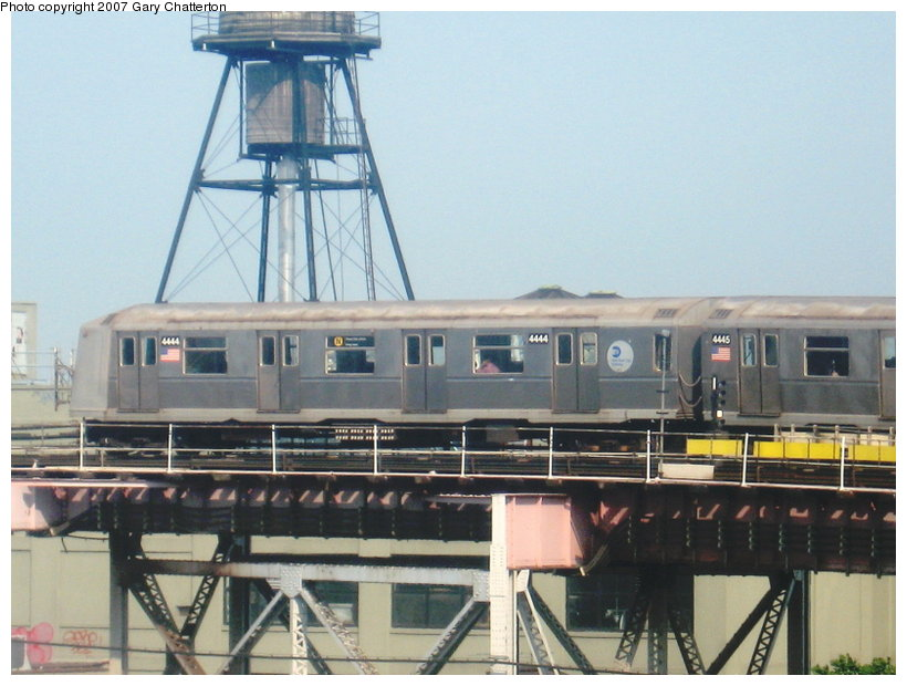 (104k, 820x620)<br><b>Country:</b> United States<br><b>City:</b> New York<br><b>System:</b> New York City Transit<br><b>Line:</b> BMT Astoria Line<br><b>Location:</b> Queensborough Plaza<br><b>Route:</b> N<br><b>Car:</b> R-40 (St. Louis, 1968) 4444 <br><b>Photo by:</b> Gary Chatterton<br><b>Date:</b> 5/27/2007<br><b>Viewed (this week/total):</b> 1 / 2564
