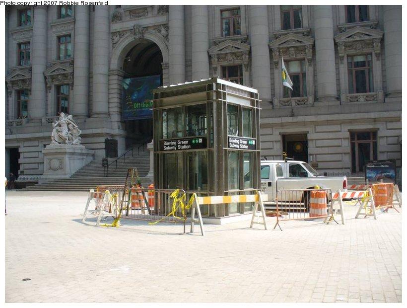 (124k, 820x620)<br><b>Country:</b> United States<br><b>City:</b> New York<br><b>System:</b> New York City Transit<br><b>Line:</b> IRT East Side Line<br><b>Location:</b> Bowling Green <br><b>Photo by:</b> Robbie Rosenfeld<br><b>Date:</b> 6/1/2007<br><b>Notes:</b> New elevator.<br><b>Viewed (this week/total):</b> 0 / 2541