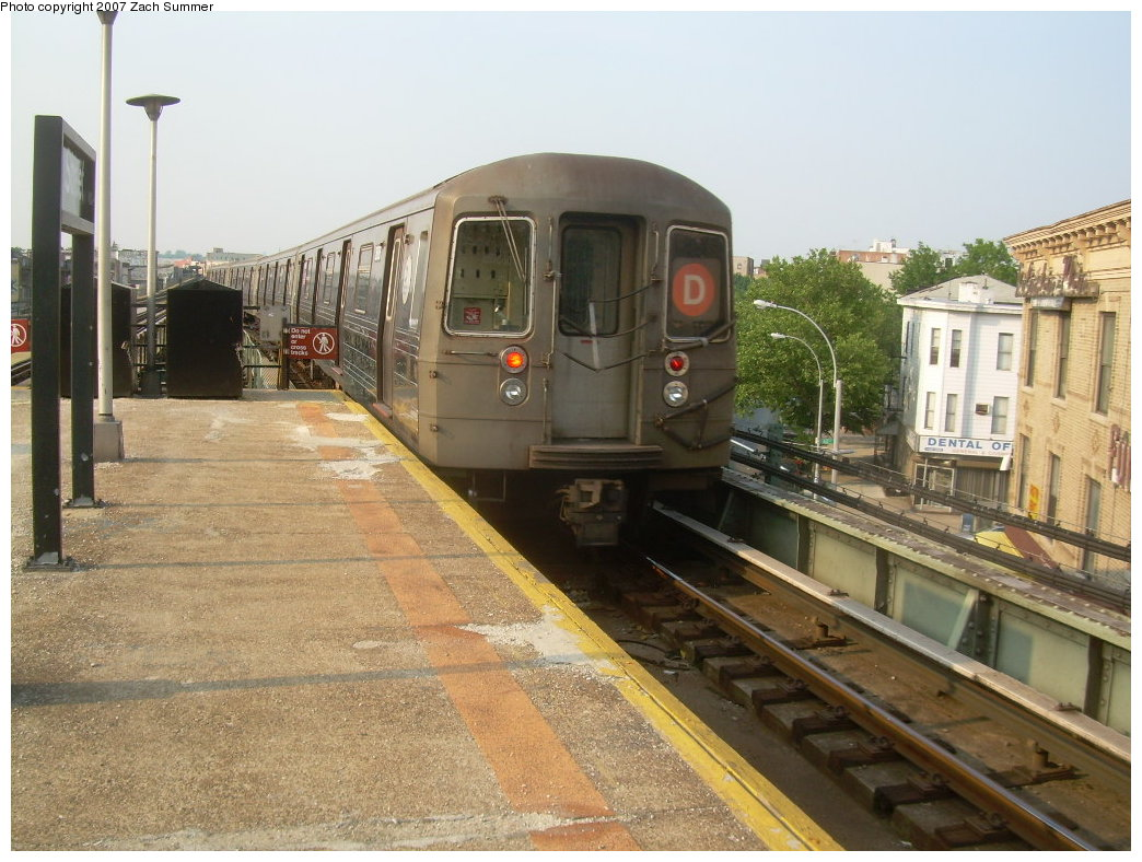 (221k, 1044x788)<br><b>Country:</b> United States<br><b>City:</b> New York<br><b>System:</b> New York City Transit<br><b>Line:</b> BMT West End Line<br><b>Location:</b> 62nd Street <br><b>Route:</b> D<br><b>Car:</b> R-68 (Westinghouse-Amrail, 1986-1988)   <br><b>Photo by:</b> Zach Summer<br><b>Date:</b> 5/27/2007<br><b>Viewed (this week/total):</b> 1 / 1583