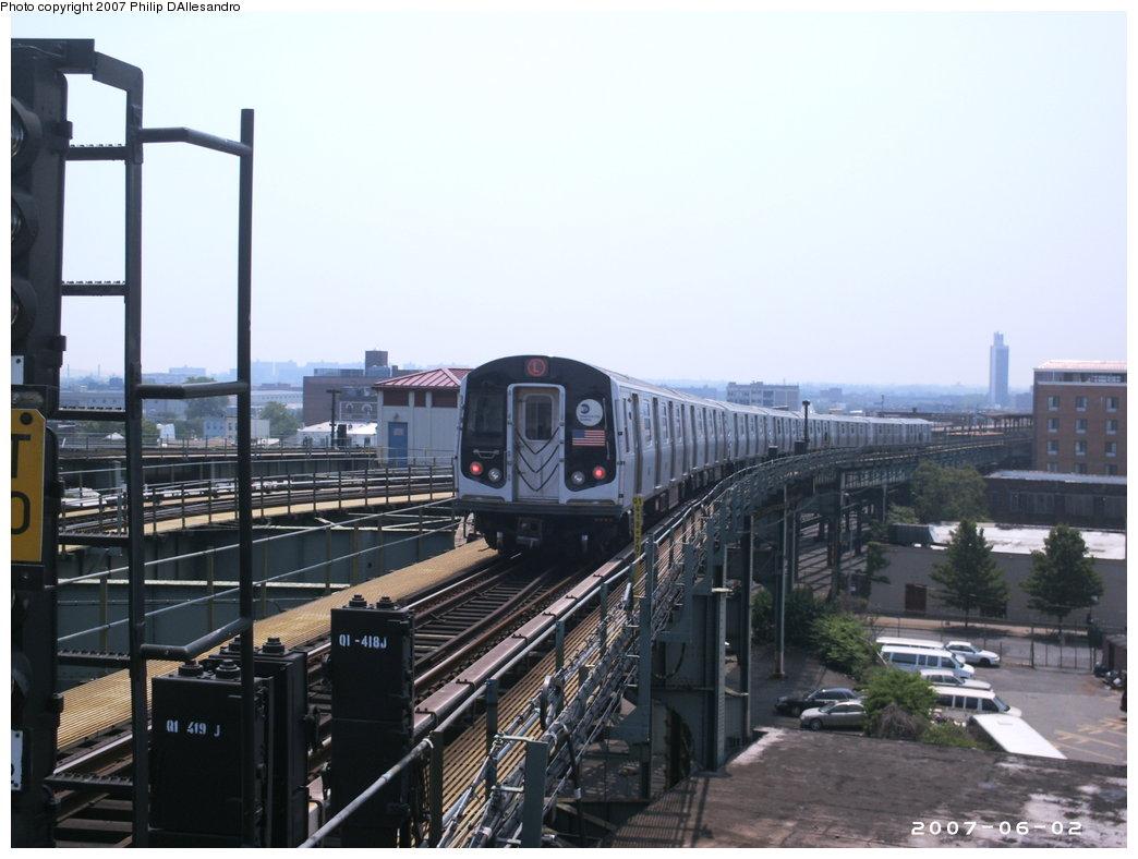 (147k, 1044x788)<br><b>Country:</b> United States<br><b>City:</b> New York<br><b>System:</b> New York City Transit<br><b>Line:</b> BMT Canarsie Line<br><b>Location:</b> Broadway Junction <br><b>Route:</b> L<br><b>Car:</b> R-143 (Kawasaki, 2001-2002)  <br><b>Photo by:</b> Philip D'Allesandro<br><b>Date:</b> 6/2/2007<br><b>Viewed (this week/total):</b> 0 / 2702