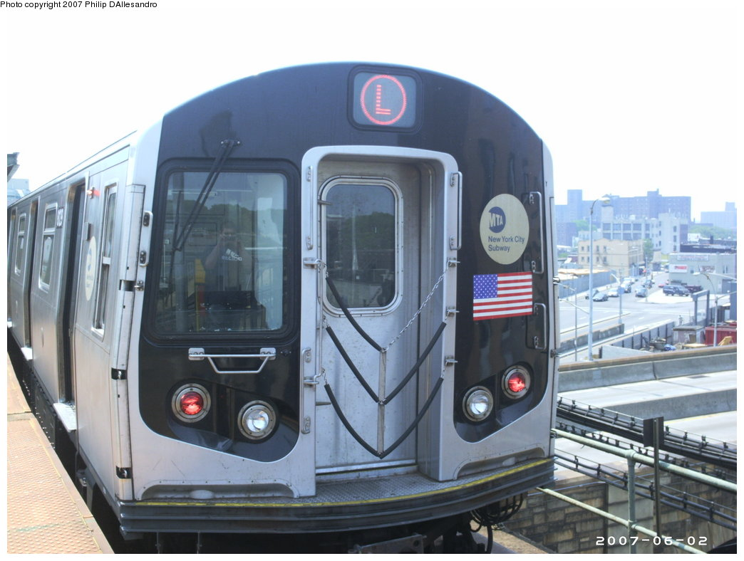 (151k, 1044x788)<br><b>Country:</b> United States<br><b>City:</b> New York<br><b>System:</b> New York City Transit<br><b>Line:</b> BMT Canarsie Line<br><b>Location:</b> Atlantic Avenue <br><b>Route:</b> L<br><b>Car:</b> R-143 (Kawasaki, 2001-2002) 8129 <br><b>Photo by:</b> Philip D'Allesandro<br><b>Date:</b> 6/2/2007<br><b>Viewed (this week/total):</b> 0 / 3033