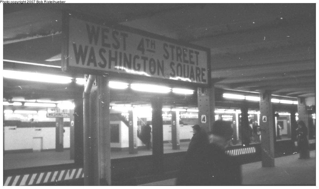 (82k, 1044x619)<br><b>Country:</b> United States<br><b>City:</b> New York<br><b>System:</b> New York City Transit<br><b>Line:</b> IND 6th Avenue Line<br><b>Location:</b> West 4th Street/Washington Square <br><b>Photo by:</b> Bob Ristelhueber<br><b>Date:</b> 1979<br><b>Viewed (this week/total):</b> 0 / 1557