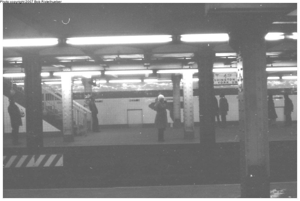 (83k, 1044x700)<br><b>Country:</b> United States<br><b>City:</b> New York<br><b>System:</b> New York City Transit<br><b>Line:</b> IND 6th Avenue Line<br><b>Location:</b> West 4th Street/Washington Square <br><b>Photo by:</b> Bob Ristelhueber<br><b>Date:</b> 1979<br><b>Viewed (this week/total):</b> 1 / 1460