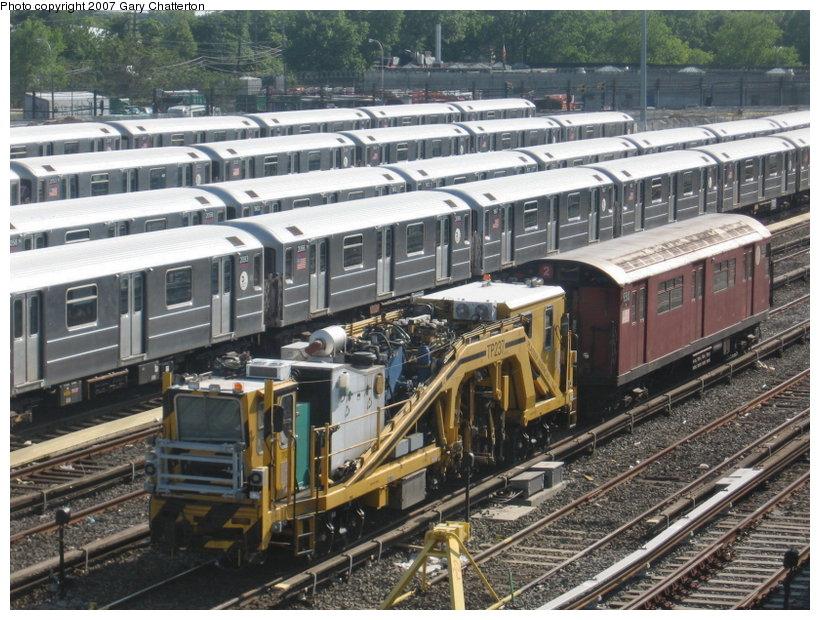 (152k, 820x620)<br><b>Country:</b> United States<br><b>City:</b> New York<br><b>System:</b> New York City Transit<br><b>Location:</b> Corona Yard<br><b>Car:</b> Ballast Tamper TP237 <br><b>Photo by:</b> Gary Chatterton<br><b>Date:</b> 5/23/2007<br><b>Viewed (this week/total):</b> 9 / 2302