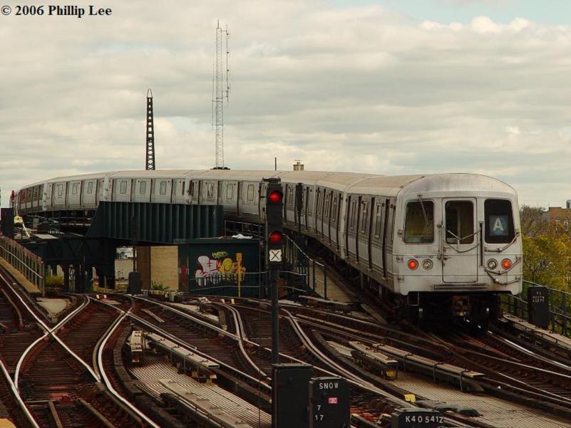 (79k, 801x601)<br><b>Country:</b> United States<br><b>City:</b> New York<br><b>System:</b> New York City Transit<br><b>Line:</b> IND Fulton Street Line<br><b>Location:</b> Rockaway Boulevard <br><b>Route:</b> A<br><b>Car:</b> R-44 (St. Louis, 1971-73)  <br><b>Photo by:</b> Phillip Lee<br><b>Date:</b> 10/23/2006<br><b>Viewed (this week/total):</b> 1 / 2754