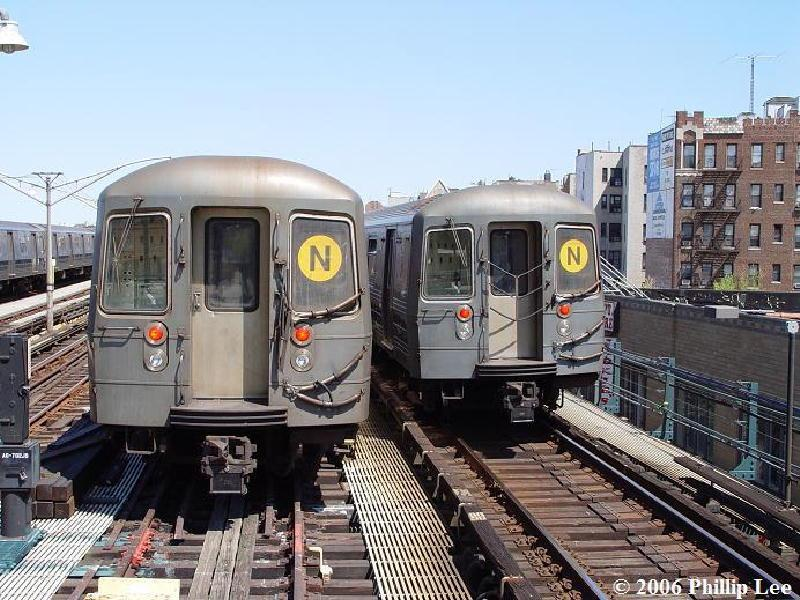 (113k, 800x600)<br><b>Country:</b> United States<br><b>City:</b> New York<br><b>System:</b> New York City Transit<br><b>Line:</b> BMT Brighton Line<br><b>Location:</b> Ocean Parkway <br><b>Route:</b> N<br><b>Car:</b> R-68A (Kawasaki, 1988-1989)   <br><b>Photo by:</b> Phillip Lee<br><b>Date:</b> 4/29/2006<br><b>Viewed (this week/total):</b> 0 / 2452