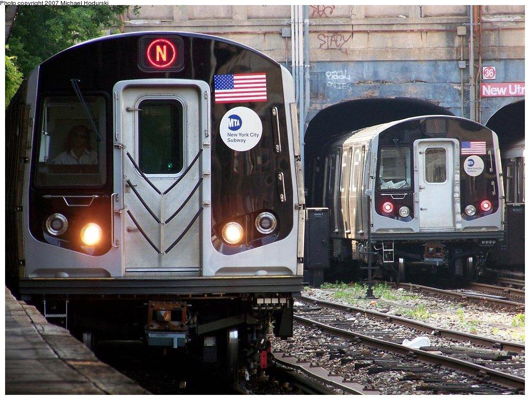 (227k, 1044x788)<br><b>Country:</b> United States<br><b>City:</b> New York<br><b>System:</b> New York City Transit<br><b>Line:</b> BMT Sea Beach Line<br><b>Location:</b> New Utrecht Avenue <br><b>Route:</b> N<br><b>Car:</b> R-160B (Kawasaki, 2005-2008)  8757 <br><b>Photo by:</b> Michael Hodurski<br><b>Date:</b> 6/5/2007<br><b>Viewed (this week/total):</b> 0 / 3090