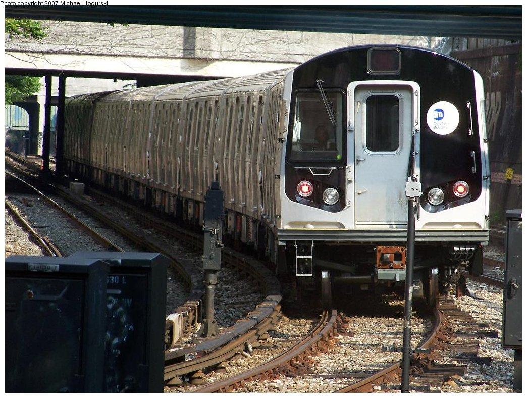 (220k, 1044x788)<br><b>Country:</b> United States<br><b>City:</b> New York<br><b>System:</b> New York City Transit<br><b>Line:</b> BMT Sea Beach Line<br><b>Location:</b> New Utrecht Avenue <br><b>Car:</b> R-160B (Kawasaki, 2005-2008)  8852 <br><b>Photo by:</b> Michael Hodurski<br><b>Date:</b> 6/5/2007<br><b>Viewed (this week/total):</b> 0 / 2072