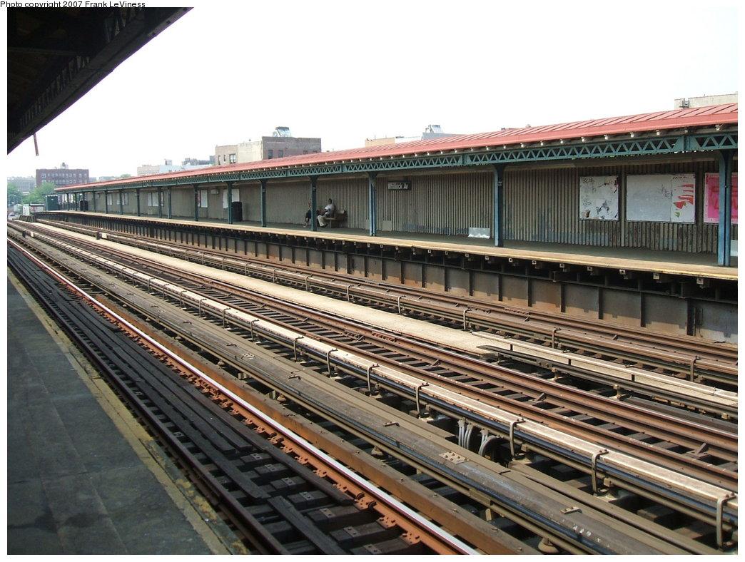 (212k, 1044x788)<br><b>Country:</b> United States<br><b>City:</b> New York<br><b>System:</b> New York City Transit<br><b>Line:</b> IRT Pelham Line<br><b>Location:</b> Whitlock Avenue <br><b>Photo by:</b> Frank LeViness<br><b>Date:</b> 6/1/2006<br><b>Notes:</b> Overview of station.<br><b>Viewed (this week/total):</b> 0 / 1345