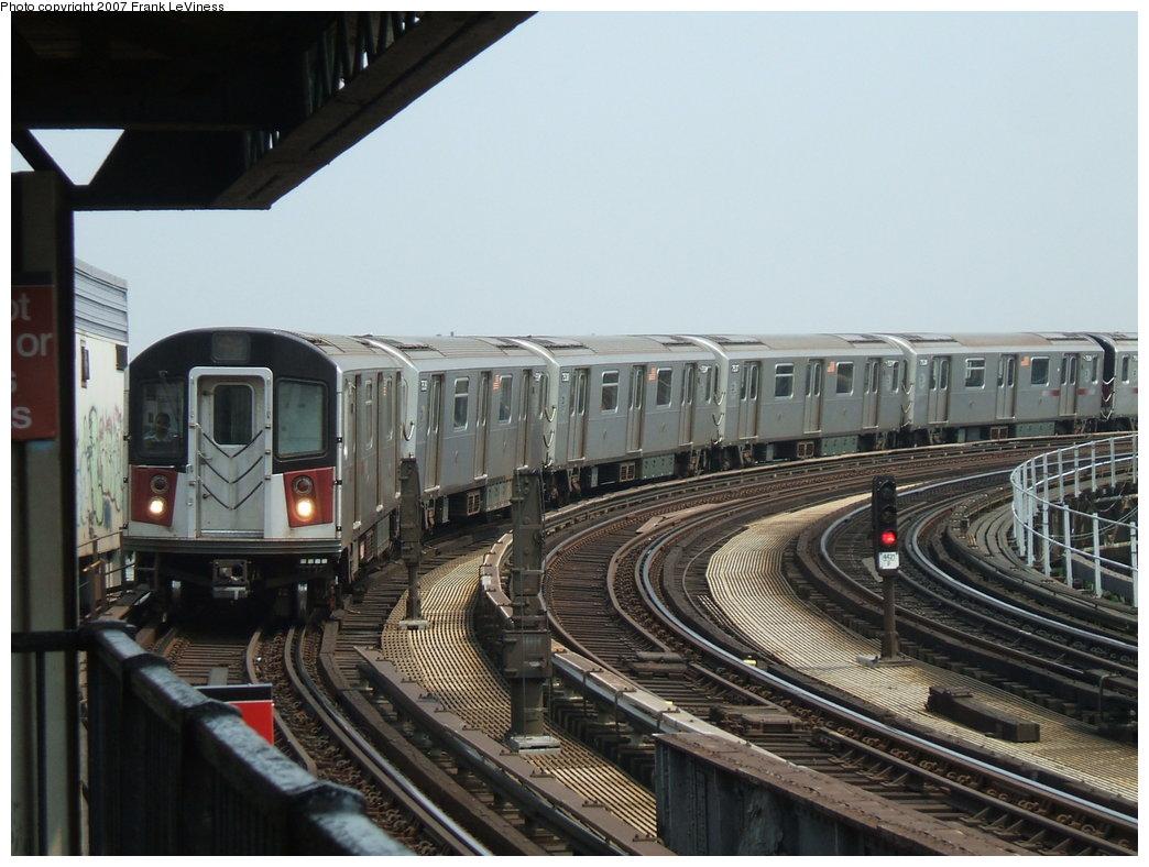 (172k, 1044x788)<br><b>Country:</b> United States<br><b>City:</b> New York<br><b>System:</b> New York City Transit<br><b>Line:</b> IRT Pelham Line<br><b>Location:</b> Whitlock Avenue <br><b>Route:</b> 6<br><b>Car:</b> R-142A (Primary Order, Kawasaki, 1999-2002)  7540 <br><b>Photo by:</b> Frank LeViness<br><b>Date:</b> 6/1/2006<br><b>Viewed (this week/total):</b> 3 / 2297