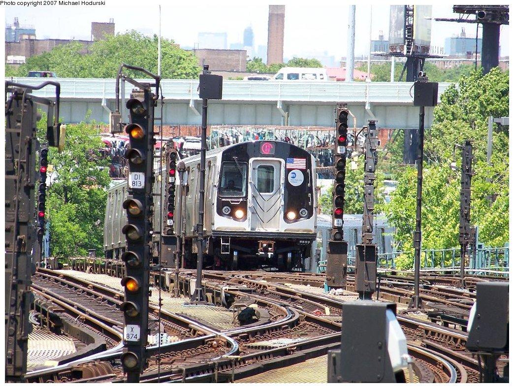 (318k, 1044x788)<br><b>Country:</b> United States<br><b>City:</b> New York<br><b>System:</b> New York City Transit<br><b>Location:</b> Coney Island/Stillwell Avenue<br><b>Route:</b> N<br><b>Car:</b> R-160B (Kawasaki, 2005-2008)  8723 <br><b>Photo by:</b> Michael Hodurski<br><b>Date:</b> 6/6/2007<br><b>Viewed (this week/total):</b> 0 / 2247