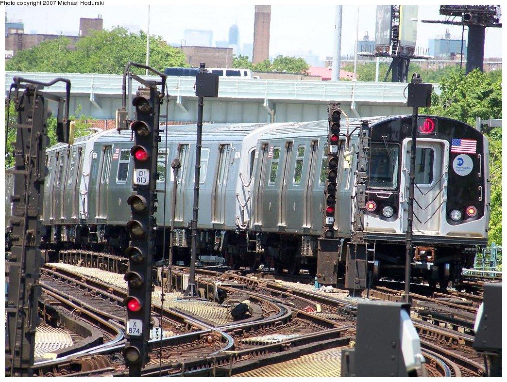 (283k, 1044x788)<br><b>Country:</b> United States<br><b>City:</b> New York<br><b>System:</b> New York City Transit<br><b>Location:</b> Coney Island/Stillwell Avenue<br><b>Route:</b> N<br><b>Car:</b> R-160B (Kawasaki, 2005-2008)  8733 <br><b>Photo by:</b> Michael Hodurski<br><b>Date:</b> 6/6/2007<br><b>Viewed (this week/total):</b> 0 / 2805