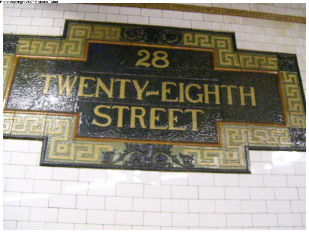 (183k, 1044x788)<br><b>Country:</b> United States<br><b>City:</b> New York<br><b>System:</b> New York City Transit<br><b>Line:</b> IRT East Side Line<br><b>Location:</b> 28th Street <br><b>Photo by:</b> Roberto C. Tobar<br><b>Date:</b> 6/9/2007<br><b>Viewed (this week/total):</b> 3 / 1750