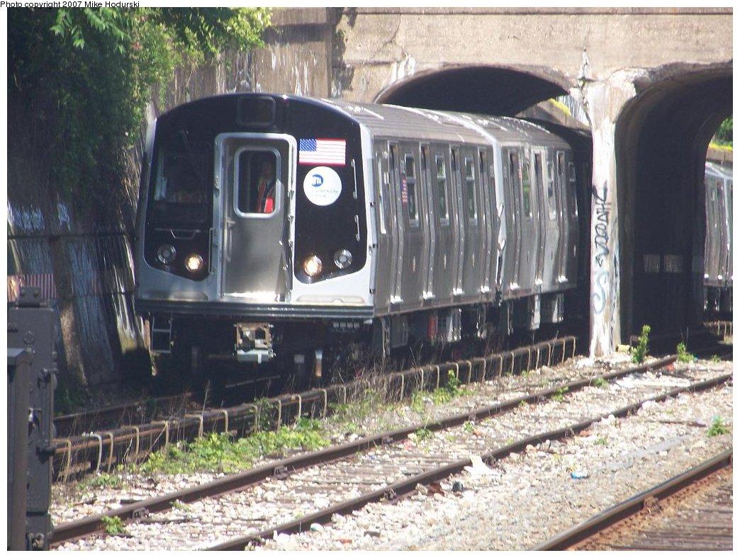 (209k, 1044x788)<br><b>Country:</b> United States<br><b>City:</b> New York<br><b>System:</b> New York City Transit<br><b>Line:</b> BMT Sea Beach Line<br><b>Location:</b> 20th Avenue <br><b>Car:</b> R-160B (Kawasaki, 2005-2008)  8782 <br><b>Photo by:</b> Michael Hodurski<br><b>Date:</b> 6/7/2007<br><b>Viewed (this week/total):</b> 0 / 2157