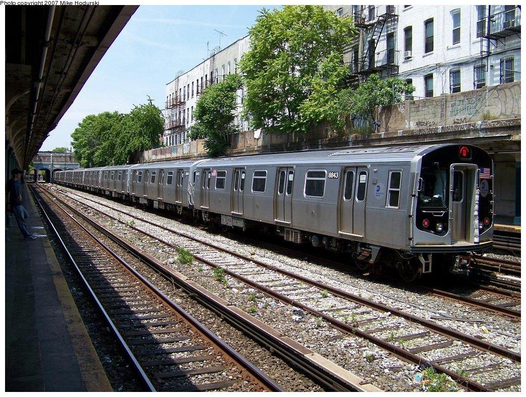 (323k, 1044x788)<br><b>Country:</b> United States<br><b>City:</b> New York<br><b>System:</b> New York City Transit<br><b>Line:</b> BMT Sea Beach Line<br><b>Location:</b> 18th Avenue <br><b>Car:</b> R-160B (Kawasaki, 2005-2008)  8843 <br><b>Photo by:</b> Michael Hodurski<br><b>Date:</b> 6/0/2007<br><b>Viewed (this week/total):</b> 0 / 1736