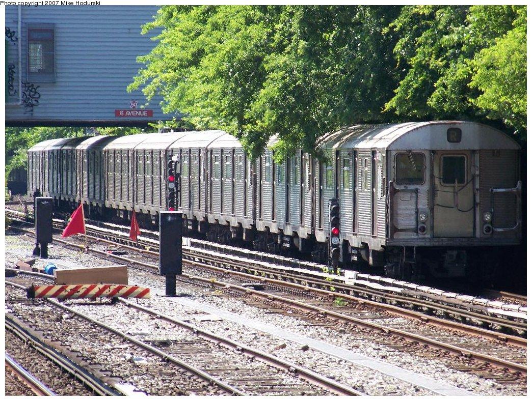 (324k, 1044x788)<br><b>Country:</b> United States<br><b>City:</b> New York<br><b>System:</b> New York City Transit<br><b>Line:</b> BMT Sea Beach Line<br><b>Location:</b> 8th Avenue <br><b>Route:</b> R<br><b>Car:</b> R-32 (Budd, 1964)  3882 <br><b>Photo by:</b> Michael Hodurski<br><b>Date:</b> 6/7/2007<br><b>Viewed (this week/total):</b> 0 / 2646