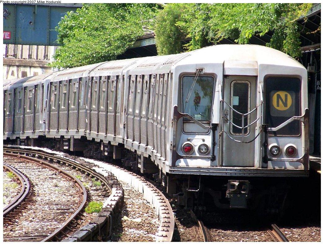 (294k, 1044x788)<br><b>Country:</b> United States<br><b>City:</b> New York<br><b>System:</b> New York City Transit<br><b>Line:</b> BMT Sea Beach Line<br><b>Location:</b> 8th Avenue <br><b>Route:</b> N<br><b>Car:</b> R-40 (St. Louis, 1968)  4243 <br><b>Photo by:</b> Michael Hodurski<br><b>Date:</b> 6/7/2007<br><b>Viewed (this week/total):</b> 0 / 1576