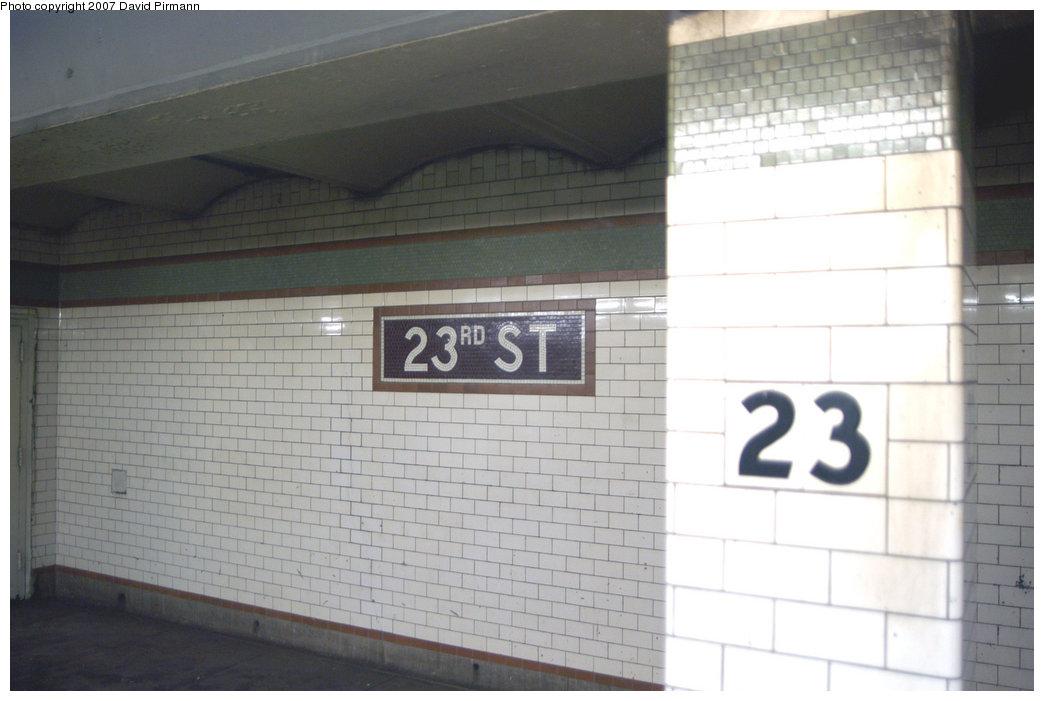 (157k, 1044x701)<br><b>Country:</b> United States<br><b>City:</b> New York<br><b>System:</b> New York City Transit<br><b>Line:</b> IRT East Side Line<br><b>Location:</b> 23rd Street <br><b>Photo by:</b> David Pirmann<br><b>Date:</b> 6/9/2007<br><b>Notes:</b> Downtown platform.<br><b>Viewed (this week/total):</b> 1 / 1846