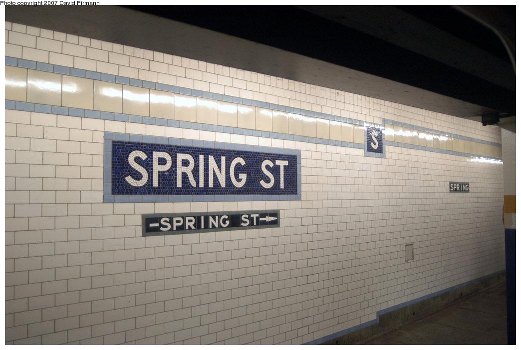 (171k, 1044x701)<br><b>Country:</b> United States<br><b>City:</b> New York<br><b>System:</b> New York City Transit<br><b>Line:</b> IRT East Side Line<br><b>Location:</b> Spring Street <br><b>Photo by:</b> David Pirmann<br><b>Date:</b> 6/9/2007<br><b>Notes:</b> Downtown platform.<br><b>Viewed (this week/total):</b> 4 / 1456