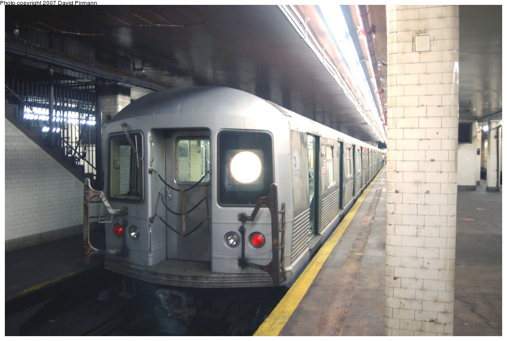 (182k, 1044x701)<br><b>Country:</b> United States<br><b>City:</b> New York<br><b>System:</b> New York City Transit<br><b>Line:</b> BMT Nassau Street/Jamaica Line<br><b>Location:</b> Chambers Street <br><b>Route:</b> J<br><b>Car:</b> R-42 (St. Louis, 1969-1970)  4583 <br><b>Photo by:</b> David Pirmann<br><b>Date:</b> 6/9/2007<br><b>Viewed (this week/total):</b> 4 / 2064