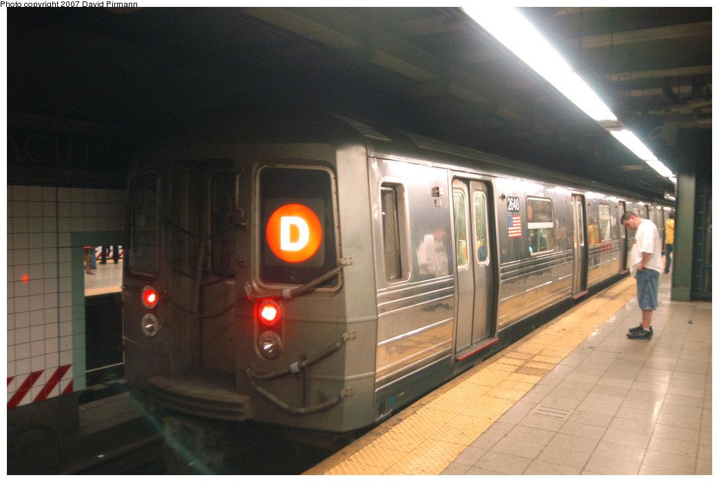 (167k, 1044x701)<br><b>Country:</b> United States<br><b>City:</b> New York<br><b>System:</b> New York City Transit<br><b>Line:</b> BMT 4th Avenue<br><b>Location:</b> Pacific Street <br><b>Route:</b> D<br><b>Car:</b> R-68 (Westinghouse-Amrail, 1986-1988)  2648 <br><b>Photo by:</b> David Pirmann<br><b>Date:</b> 6/9/2007<br><b>Viewed (this week/total):</b> 1 / 3193