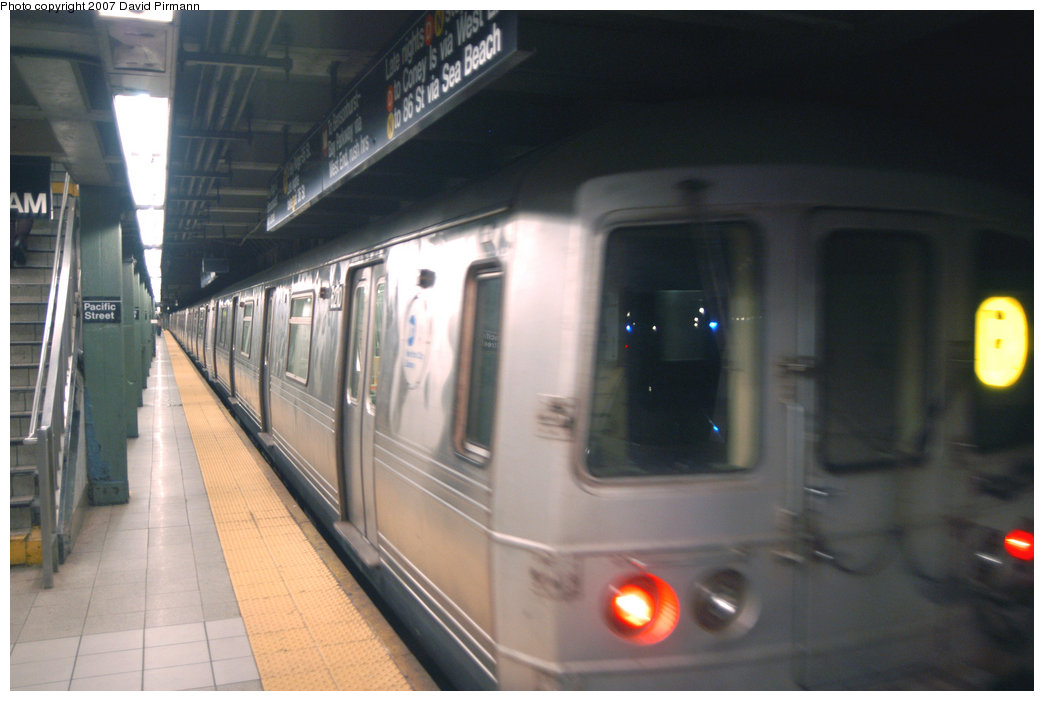 (159k, 1044x701)<br><b>Country:</b> United States<br><b>City:</b> New York<br><b>System:</b> New York City Transit<br><b>Line:</b> BMT 4th Avenue<br><b>Location:</b> Pacific Street <br><b>Route:</b> R<br><b>Car:</b> R-46 (Pullman-Standard, 1974-75) 6210 <br><b>Photo by:</b> David Pirmann<br><b>Date:</b> 6/9/2007<br><b>Viewed (this week/total):</b> 0 / 3163