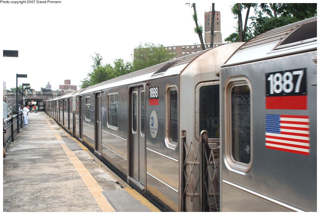 (216k, 1044x701)<br><b>Country:</b> United States<br><b>City:</b> New York<br><b>System:</b> New York City Transit<br><b>Line:</b> IRT West Side Line<br><b>Location:</b> Dyckman Street <br><b>Route:</b> 1<br><b>Car:</b> R-62A (Bombardier, 1984-1987)  1888 <br><b>Photo by:</b> David Pirmann<br><b>Date:</b> 6/9/2007<br><b>Viewed (this week/total):</b> 0 / 2314