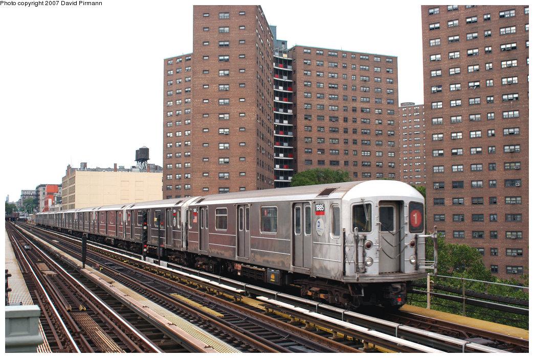 (277k, 1044x701)<br><b>Country:</b> United States<br><b>City:</b> New York<br><b>System:</b> New York City Transit<br><b>Line:</b> IRT West Side Line<br><b>Location:</b> 125th Street<br><b>Route:</b> 1<br><b>Car:</b> R-62A (Bombardier, 1984-1987) 1885 <br><b>Photo by:</b> David Pirmann<br><b>Date:</b> 6/9/2007<br><b>Viewed (this week/total):</b> 0 / 2357