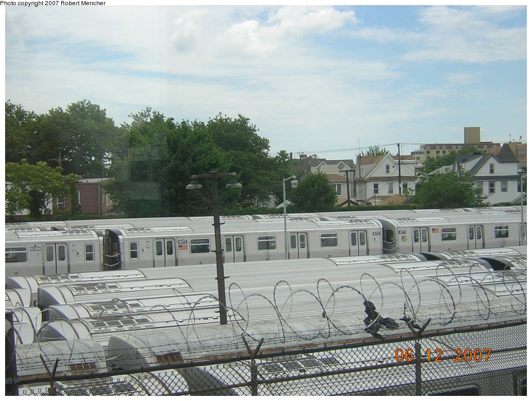 (235k, 1044x788)<br><b>Country:</b> United States<br><b>City:</b> New York<br><b>System:</b> New York City Transit<br><b>Location:</b> Rockaway Parkway (Canarsie) Yard<br><b>Car:</b> R-143 (Kawasaki, 2001-2002) 8172 <br><b>Photo by:</b> Robert Mencher<br><b>Date:</b> 6/12/2007<br><b>Viewed (this week/total):</b> 3 / 2680