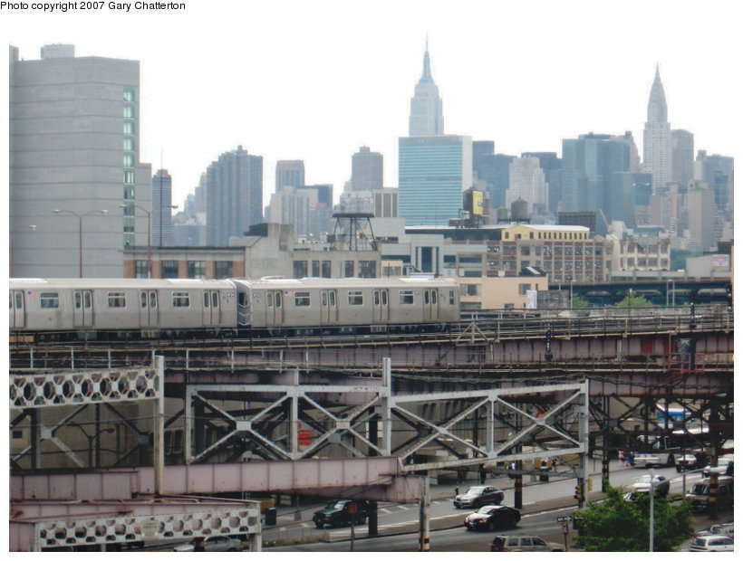 (105k, 820x620)<br><b>Country:</b> United States<br><b>City:</b> New York<br><b>System:</b> New York City Transit<br><b>Line:</b> BMT Astoria Line<br><b>Location:</b> Queensborough Plaza <br><b>Route:</b> N<br><b>Car:</b> R-160B (Kawasaki, 2005-2008)  8723 <br><b>Photo by:</b> Gary Chatterton<br><b>Date:</b> 6/11/2007<br><b>Viewed (this week/total):</b> 0 / 3344