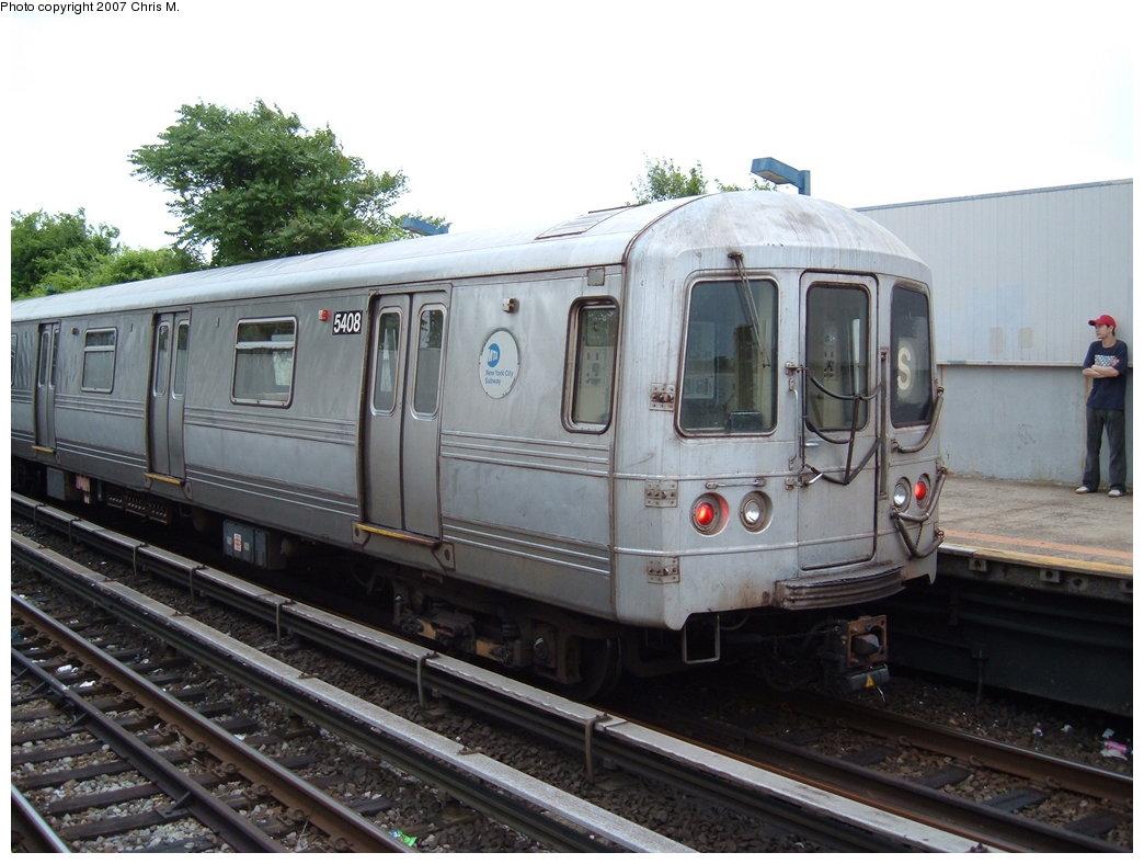 (171k, 1044x788)<br><b>Country:</b> United States<br><b>City:</b> New York<br><b>System:</b> New York City Transit<br><b>Line:</b> IND Rockaway<br><b>Location:</b> Broad Channel <br><b>Route:</b> S<br><b>Car:</b> R-44 (St. Louis, 1971-73) 5408 <br><b>Photo by:</b> Chris M.<br><b>Date:</b> 6/9/2007<br><b>Viewed (this week/total):</b> 2 / 1335