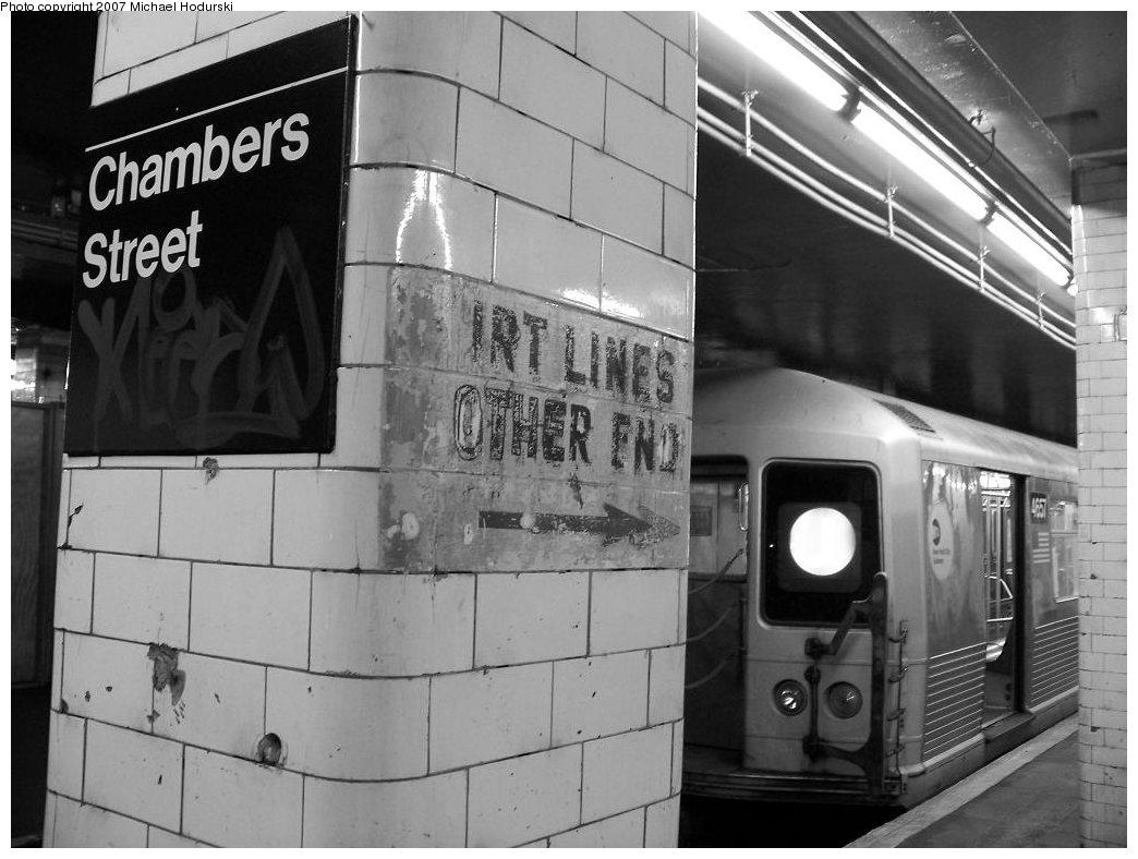 (152k, 1044x788)<br><b>Country:</b> United States<br><b>City:</b> New York<br><b>System:</b> New York City Transit<br><b>Line:</b> BMT Nassau Street/Jamaica Line<br><b>Location:</b> Chambers Street <br><b>Route:</b> J<br><b>Car:</b> R-42 (St. Louis, 1969-1970)  4657 <br><b>Photo by:</b> Michael Hodurski<br><b>Date:</b> 6/9/2007<br><b>Viewed (this week/total):</b> 0 / 2498