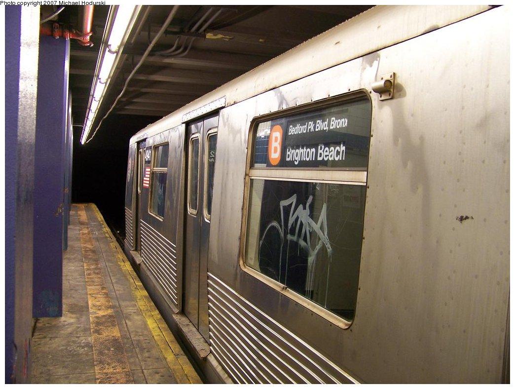 (176k, 1044x788)<br><b>Country:</b> United States<br><b>City:</b> New York<br><b>System:</b> New York City Transit<br><b>Line:</b> IND 6th Avenue Line<br><b>Location:</b> 2nd Avenue <br><b>Route:</b> D<br><b>Car:</b> R-42 (St. Louis, 1969-1970)  4941 <br><b>Photo by:</b> Michael Hodurski<br><b>Date:</b> 6/9/2007<br><b>Viewed (this week/total):</b> 0 / 3411