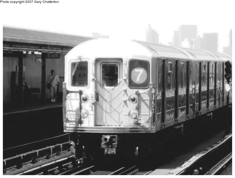 (71k, 820x620)<br><b>Country:</b> United States<br><b>City:</b> New York<br><b>System:</b> New York City Transit<br><b>Line:</b> IRT Flushing Line<br><b>Location:</b> 52nd Street/Lincoln Avenue <br><b>Route:</b> 7<br><b>Car:</b> R-62A (Bombardier, 1984-1987)  1971 <br><b>Photo by:</b> Gary Chatterton<br><b>Date:</b> 6/11/2007<br><b>Viewed (this week/total):</b> 0 / 1648