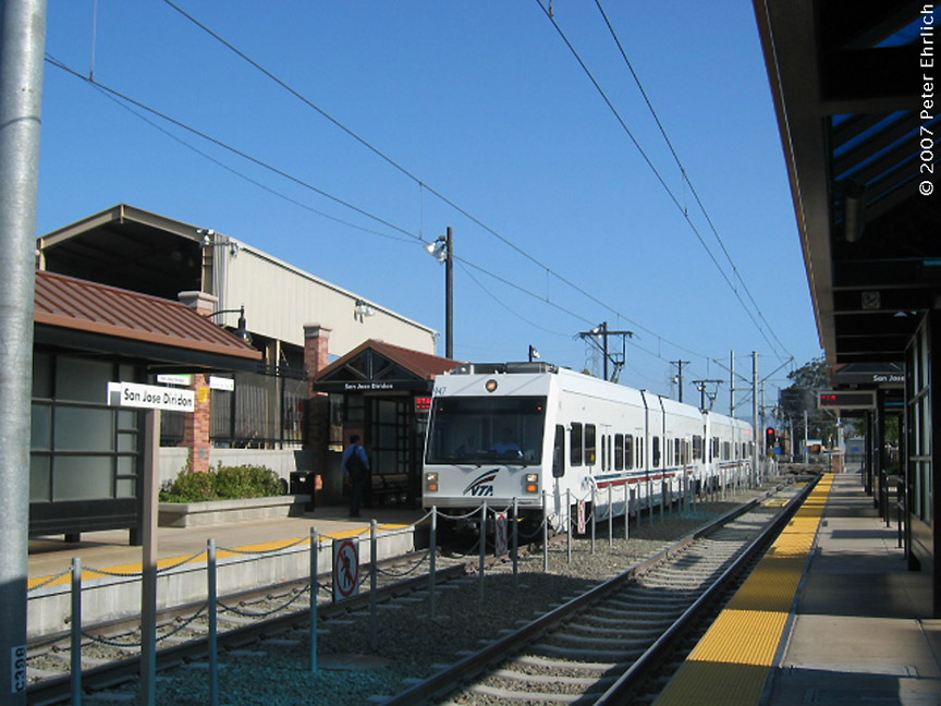 (188k, 864x648)<br><b>Country:</b> United States<br><b>City:</b> San Jose, CA<br><b>System:</b> Santa Clara VTA<br><b>Line:</b> VTA Vasona Line<br><b>Location:</b> San Jose Diridon <br><b>Car:</b> VTA Kinki-Sharyo 947 <br><b>Photo by:</b> Peter Ehrlich<br><b>Date:</b> 6/15/2007<br><b>Notes:</b> Arriving Diridon Station inbound.<br><b>Viewed (this week/total):</b> 2 / 752