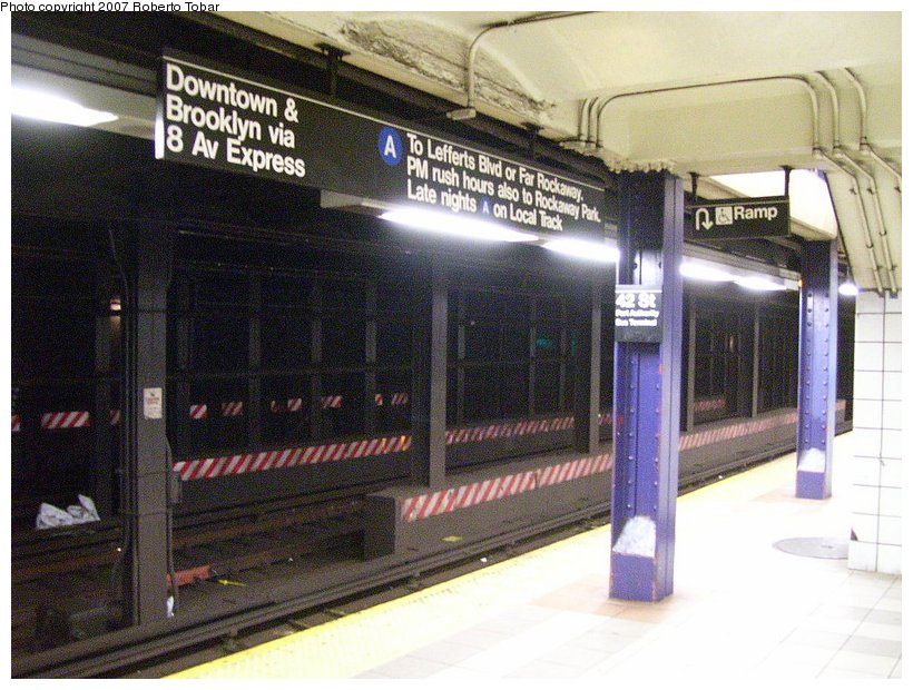 (136k, 820x620)<br><b>Country:</b> United States<br><b>City:</b> New York<br><b>System:</b> New York City Transit<br><b>Line:</b> IND 8th Avenue Line<br><b>Location:</b> 42nd Street/Port Authority Bus Terminal <br><b>Photo by:</b> Roberto C. Tobar<br><b>Date:</b> 6/18/2007<br><b>Viewed (this week/total):</b> 1 / 3908