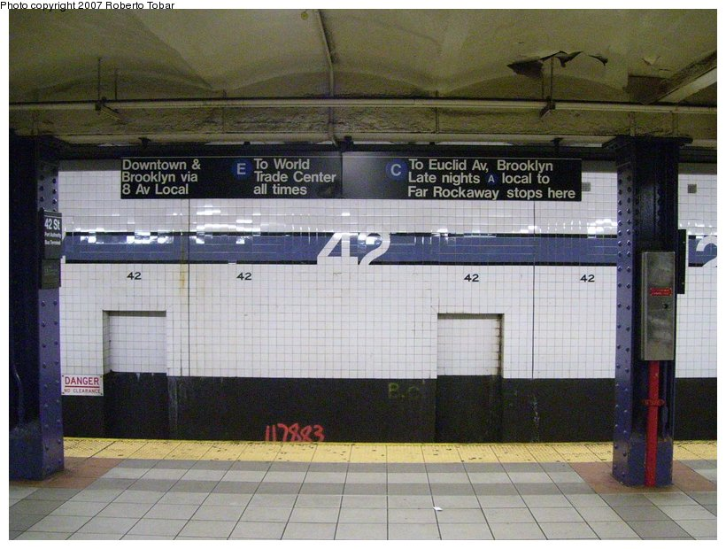 (125k, 820x620)<br><b>Country:</b> United States<br><b>City:</b> New York<br><b>System:</b> New York City Transit<br><b>Line:</b> IND 8th Avenue Line<br><b>Location:</b> 42nd Street/Port Authority Bus Terminal <br><b>Photo by:</b> Roberto C. Tobar<br><b>Date:</b> 6/18/2007<br><b>Viewed (this week/total):</b> 3 / 2927