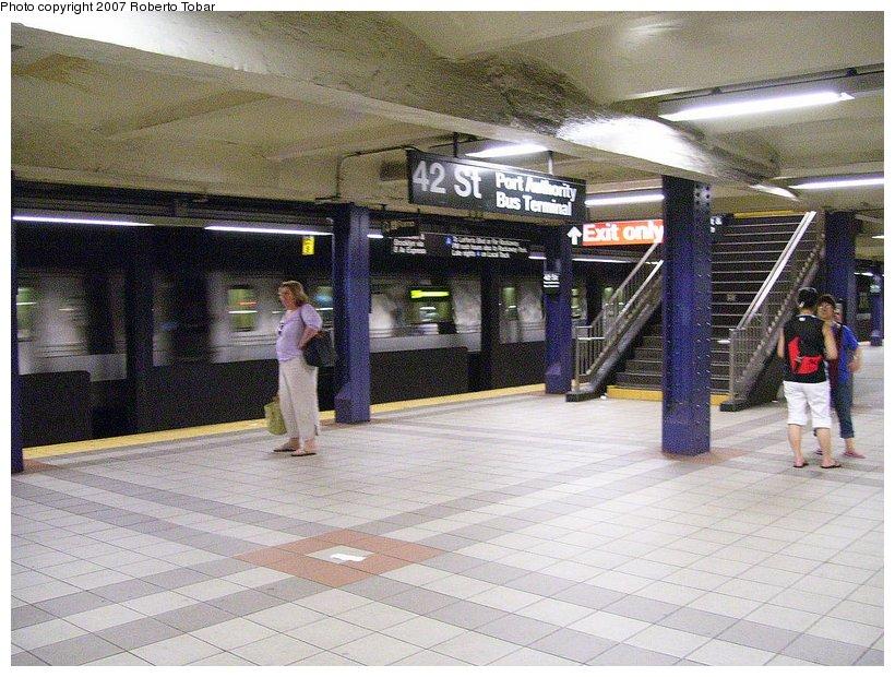 (143k, 820x620)<br><b>Country:</b> United States<br><b>City:</b> New York<br><b>System:</b> New York City Transit<br><b>Line:</b> IND 8th Avenue Line<br><b>Location:</b> 42nd Street/Port Authority Bus Terminal <br><b>Photo by:</b> Roberto C. Tobar<br><b>Date:</b> 6/18/2007<br><b>Viewed (this week/total):</b> 1 / 3162