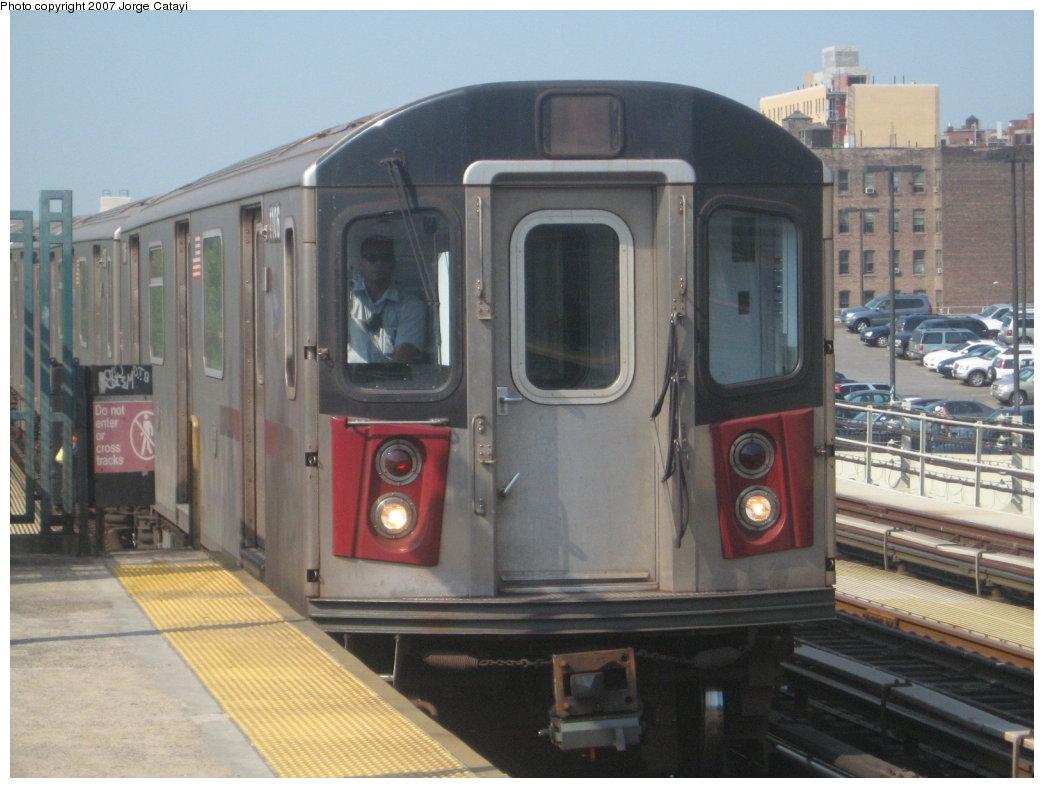 (150k, 1044x788)<br><b>Country:</b> United States<br><b>City:</b> New York<br><b>System:</b> New York City Transit<br><b>Line:</b> IRT Woodlawn Line<br><b>Location:</b> 161st Street/River Avenue (Yankee Stadium) <br><b>Route:</b> 4<br><b>Car:</b> R-142 (Option Order, Bombardier, 2002-2003)  1106 <br><b>Photo by:</b> Jorge Catayi<br><b>Date:</b> 5/27/2007<br><b>Viewed (this week/total):</b> 2 / 2426