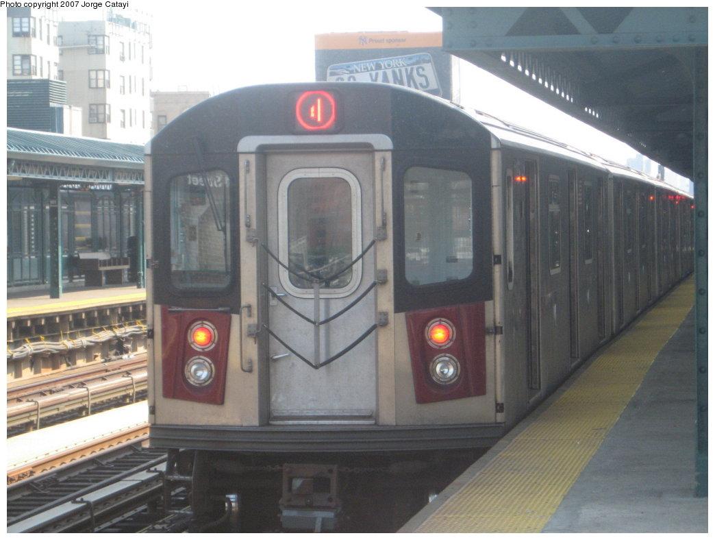 (140k, 1044x788)<br><b>Country:</b> United States<br><b>City:</b> New York<br><b>System:</b> New York City Transit<br><b>Line:</b> IRT Woodlawn Line<br><b>Location:</b> 161st Street/River Avenue (Yankee Stadium) <br><b>Route:</b> 4<br><b>Car:</b> R-142 (Option Order, Bombardier, 2002-2003)  1185 <br><b>Photo by:</b> Jorge Catayi<br><b>Date:</b> 5/27/2007<br><b>Viewed (this week/total):</b> 0 / 2924
