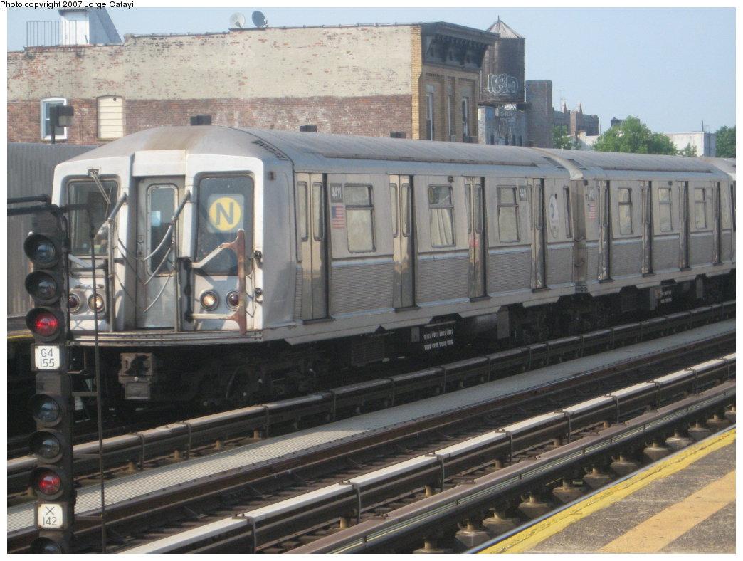 (169k, 1044x788)<br><b>Country:</b> United States<br><b>City:</b> New York<br><b>System:</b> New York City Transit<br><b>Line:</b> BMT Astoria Line<br><b>Location:</b> 39th/Beebe Aves. <br><b>Route:</b> N<br><b>Car:</b> R-40 (St. Louis, 1968)  4411 <br><b>Photo by:</b> Jorge Catayi<br><b>Date:</b> 5/27/2007<br><b>Viewed (this week/total):</b> 4 / 1576