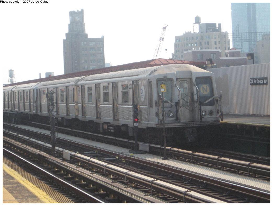 (140k, 1044x788)<br><b>Country:</b> United States<br><b>City:</b> New York<br><b>System:</b> New York City Transit<br><b>Line:</b> BMT Astoria Line<br><b>Location:</b> 39th/Beebe Aves. <br><b>Route:</b> N<br><b>Car:</b> R-40 (St. Louis, 1968)  4444 <br><b>Photo by:</b> Jorge Catayi<br><b>Date:</b> 5/27/2007<br><b>Viewed (this week/total):</b> 0 / 1510