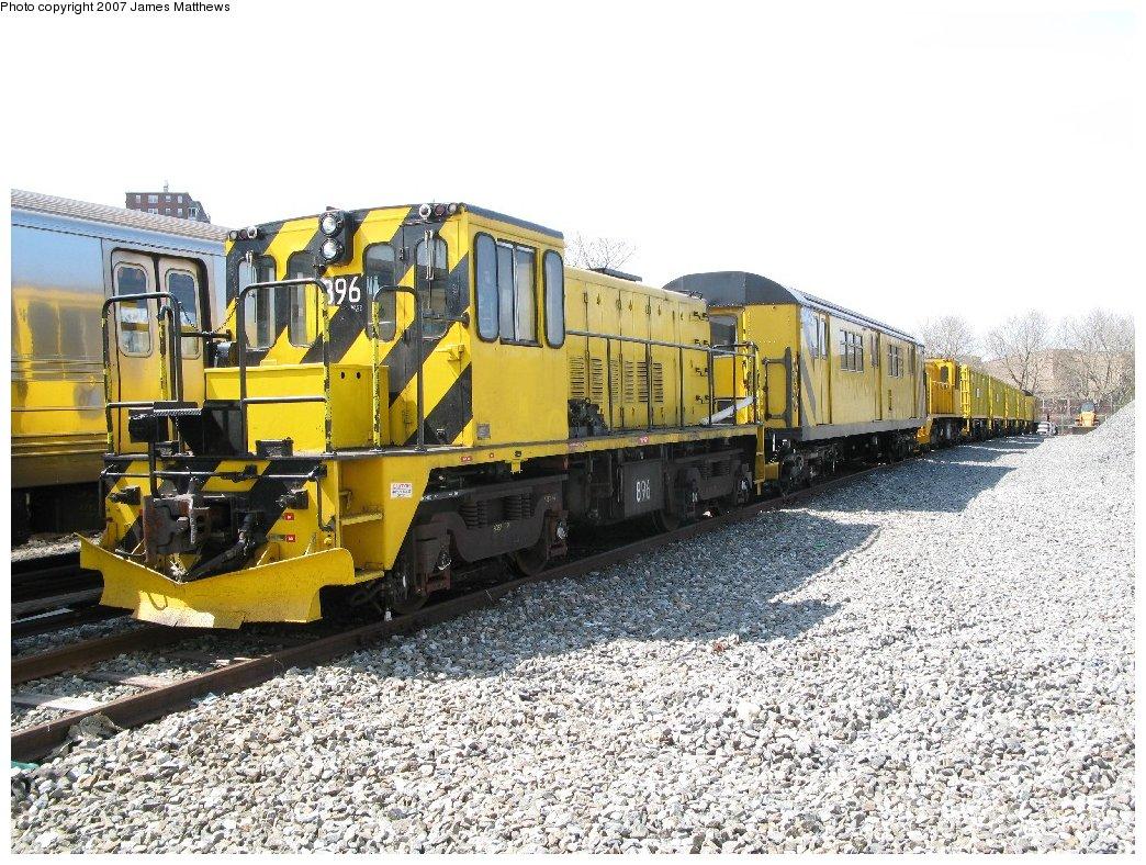 (242k, 1044x788)<br><b>Country:</b> United States<br><b>City:</b> New York<br><b>System:</b> New York City Transit<br><b>Location:</b> Coney Island Yard<br><b>Car:</b> R-77 Locomotive  896 <br><b>Photo by:</b> James Matthews<br><b>Date:</b> 4/24/2007<br><b>Notes:</b> Ballast train. Front to rear: R77 896, RD426, H291, H290, H282, H283, H316, RD415. (Stillwell Yard)<br><b>Viewed (this week/total):</b> 0 / 1277