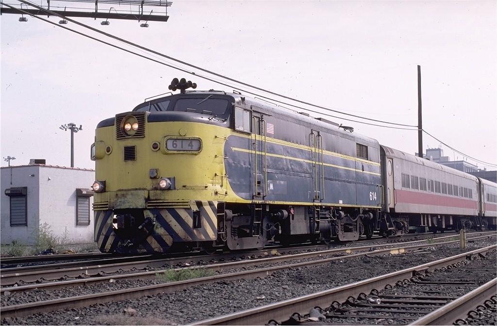 (206k, 1024x673)<br><b>Country:</b> United States<br><b>City:</b> New York<br><b>System:</b> Long Island Rail Road<br><b>Line:</b> LIRR Long Island City<br><b>Location:</b> Long Island City <br><b>Route:</b> Fan Trip<br><b>Car:</b> LIRR Alco FA1M (HEP/Cab Only) 614 <br><b>Photo by:</b> Glenn L. Rowe<br><b>Collection of:</b> Joe Testagrose<br><b>Date:</b> 9/25/1999<br><b>Viewed (this week/total):</b> 0 / 1620