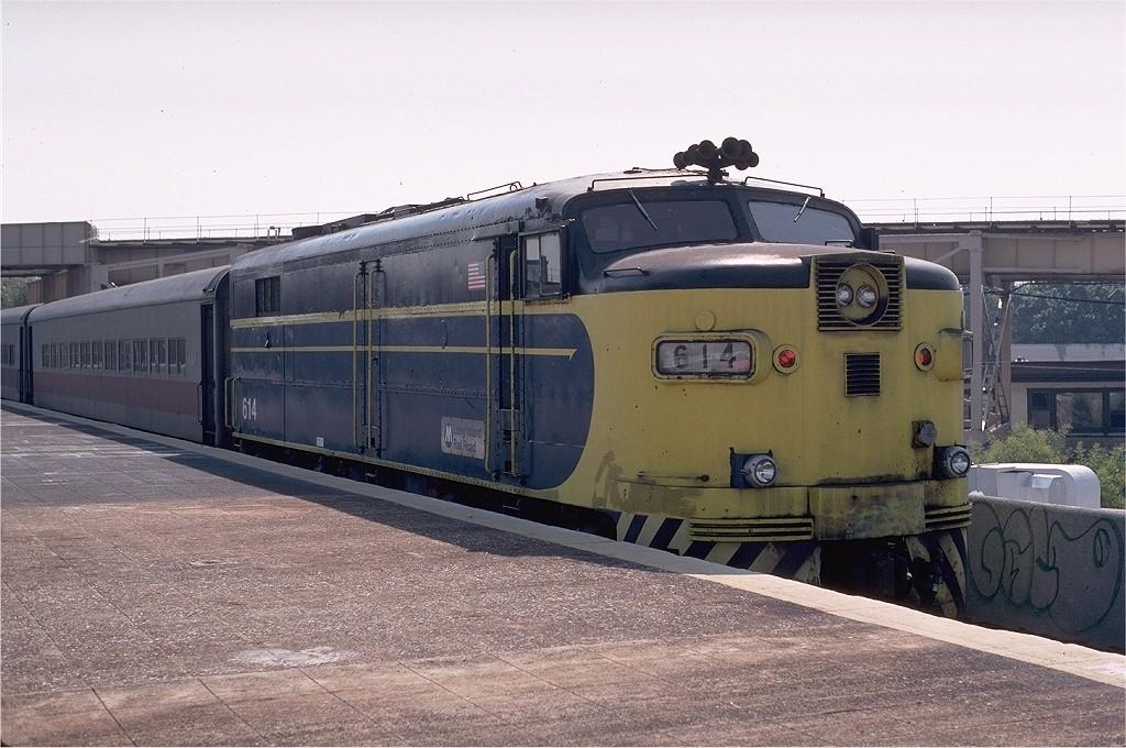 (206k, 1024x680)<br><b>Country:</b> United States<br><b>City:</b> New York<br><b>System:</b> Long Island Rail Road<br><b>Line:</b> LIRR Long Island City<br><b>Location:</b> Richmond Hill <br><b>Route:</b> Fan Trip<br><b>Car:</b> LIRR Alco FA1M (HEP/Cab Only) 614 <br><b>Photo by:</b> Glenn L. Rowe<br><b>Collection of:</b> Joe Testagrose<br><b>Date:</b> 9/25/1999<br><b>Viewed (this week/total):</b> 0 / 1411