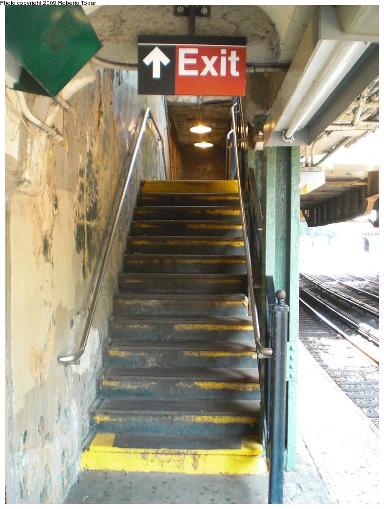 (244k, 788x1044)<br><b>Country:</b> United States<br><b>City:</b> New York<br><b>System:</b> New York City Transit<br><b>Line:</b> BMT Brighton Line<br><b>Location:</b> Beverley Road <br><b>Photo by:</b> Roberto C. Tobar<br><b>Date:</b> 8/16/2009<br><b>Notes:</b> Stairs at Beverley Rd.<br><b>Viewed (this week/total):</b> 11 / 1071